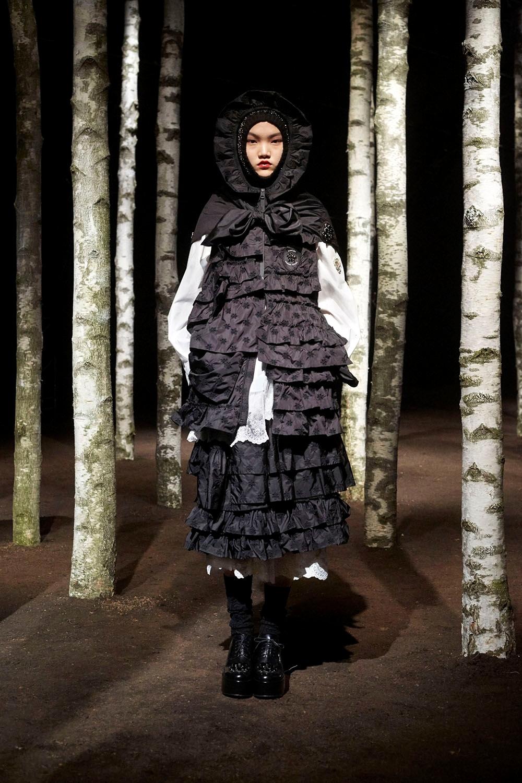Образ из новой коллекции 4 Moncler Simone Rocha