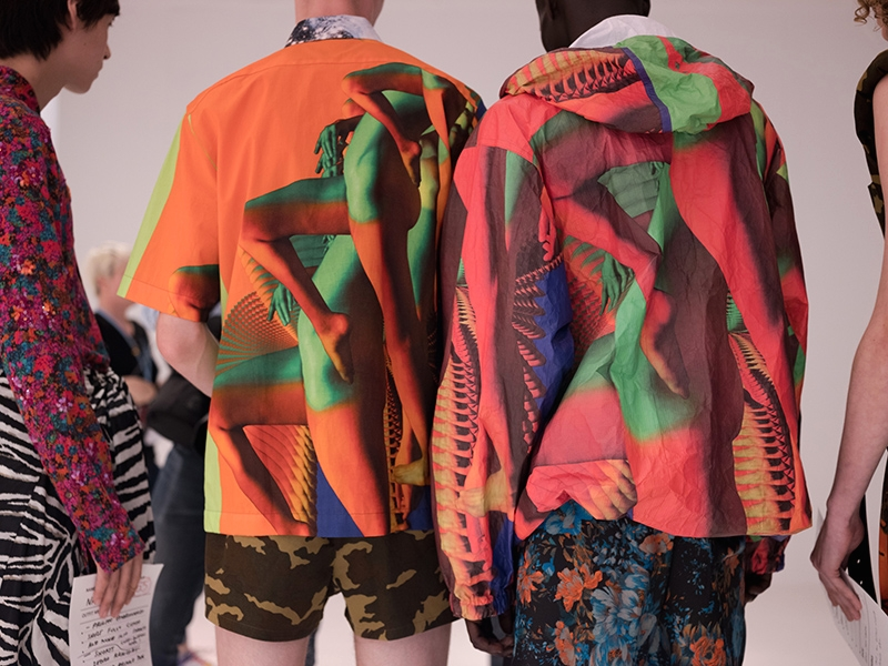 Образы из коллекции Dries Van Noten Spring/Summer 2020 Menswear