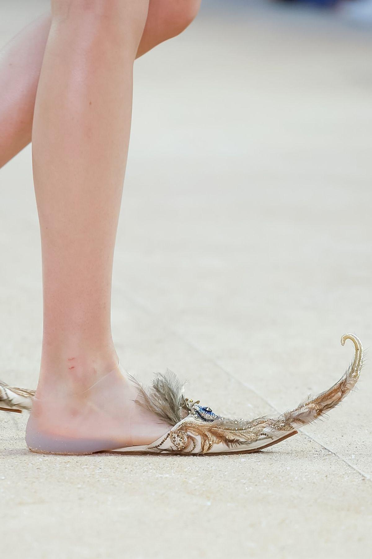 Обувь из коллекции Guo Pei Fall/Winter 2019 Couture