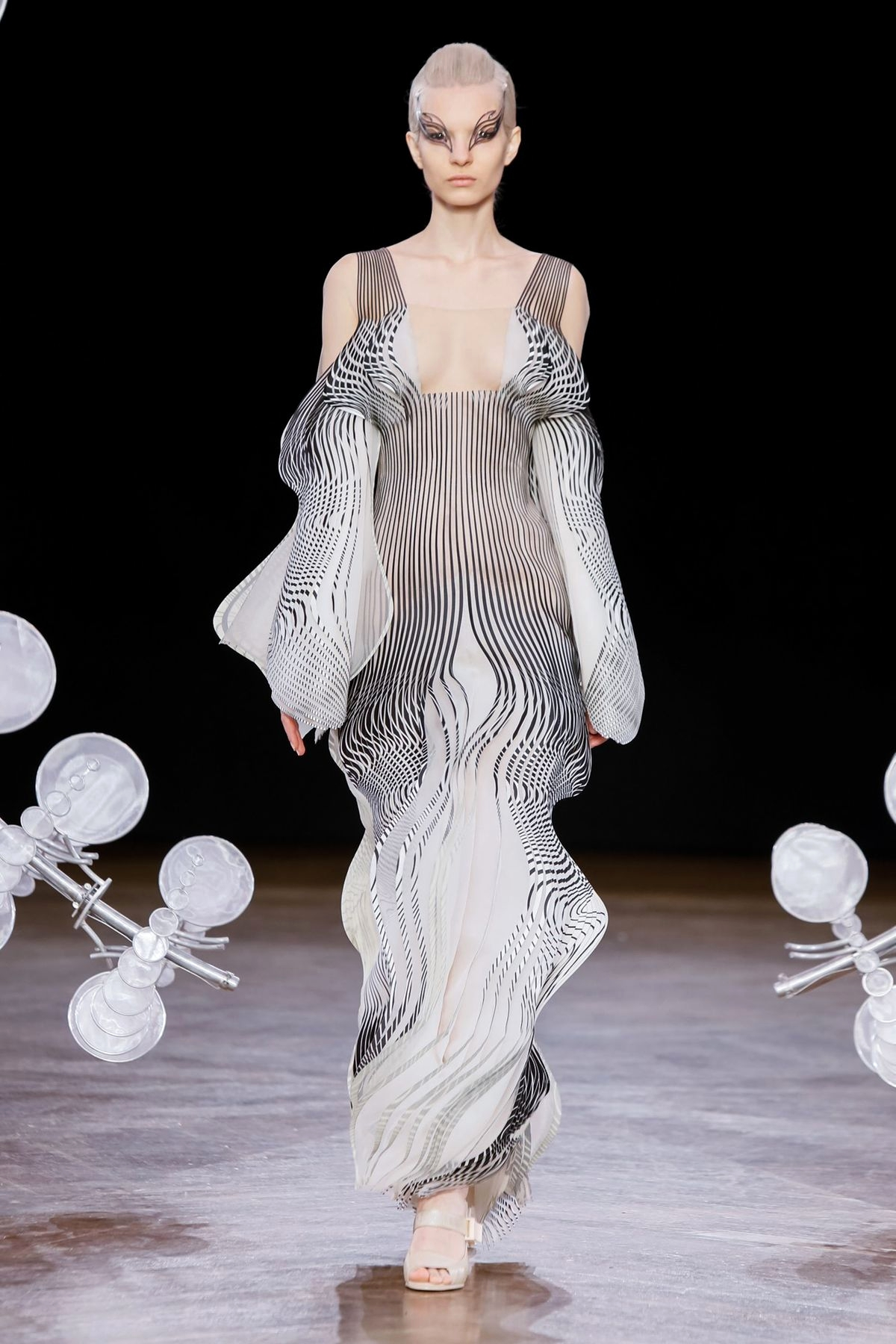 Iris van Herpen Fall/Winter 2019 Couture - обзор коллекции