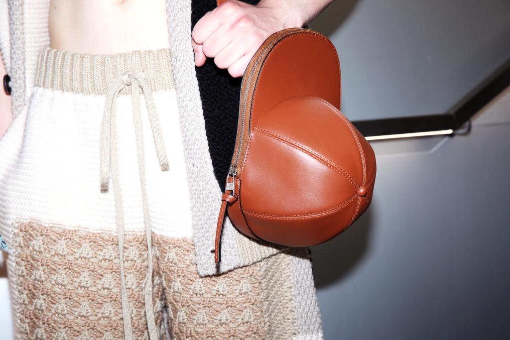 Сумка из коллекции JW Anderson Spring/Summer 2020 Menswear