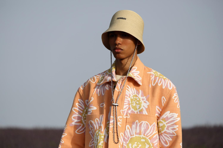 Образ из коллекции Jacquemus Spring/Summer 2020 Menswear с кристаллами Swarovski
