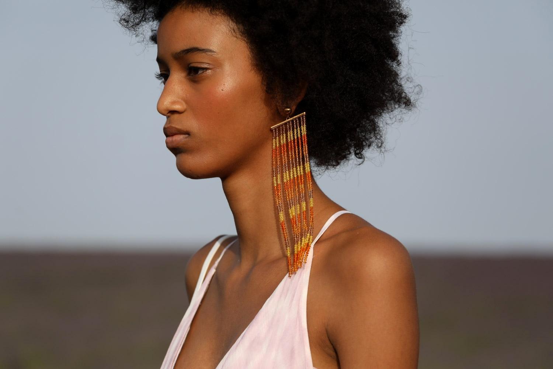 Серьги с кристаллами Swarovski из коллекции Jacquemus Spring/Summer 2020 Menswear