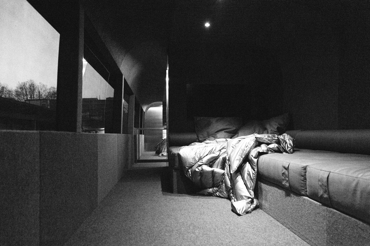 Автобус Moncler x Rick Owens
