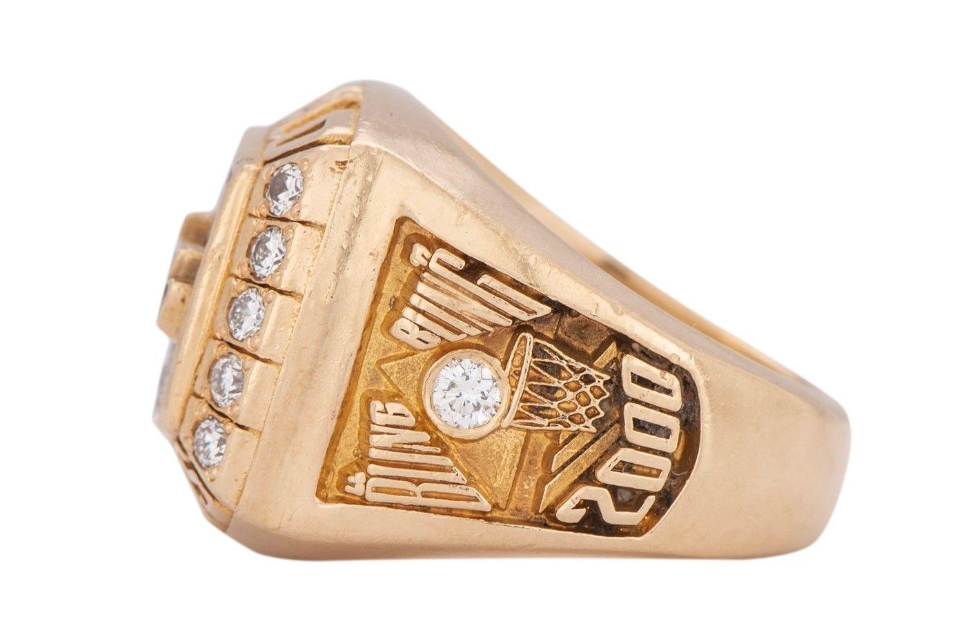 Коби Брайант кольцо чемпиона НБА продано