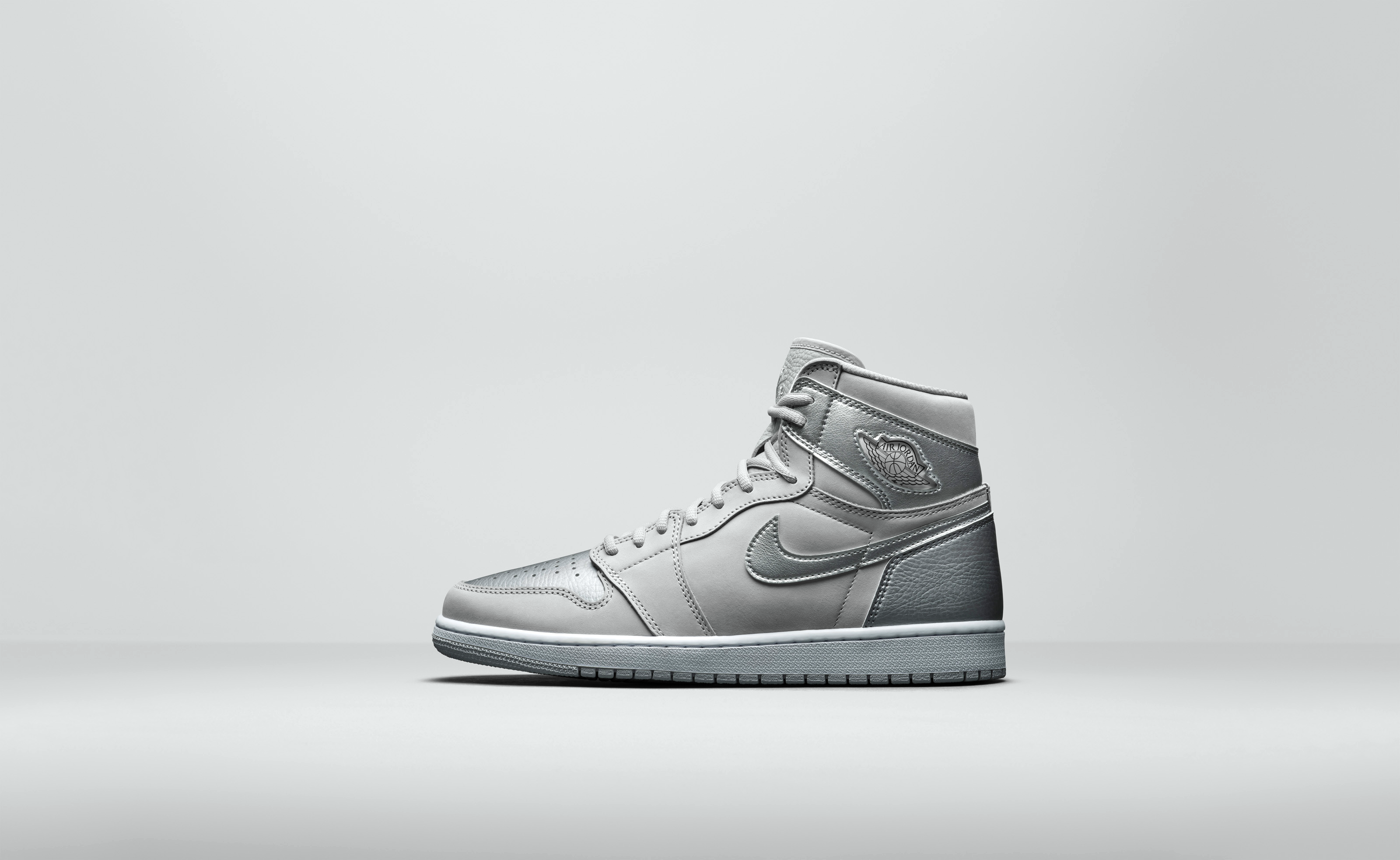 Air Jordan 1 «Metallic Silver»