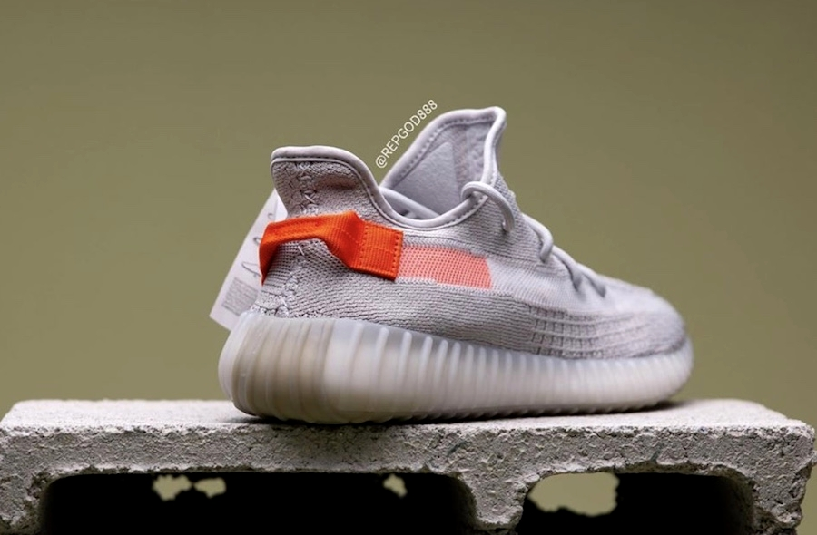 adidas Yeezy Boost 350 V2 «Tail Light»