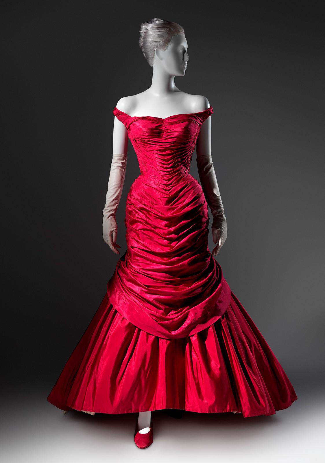 Платье Чарльза Джеймса Tree, 1955