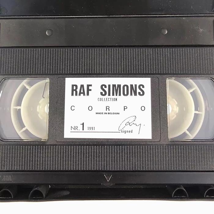 Раф Симонс - выпускная работа продается за 100 тысяч долларов