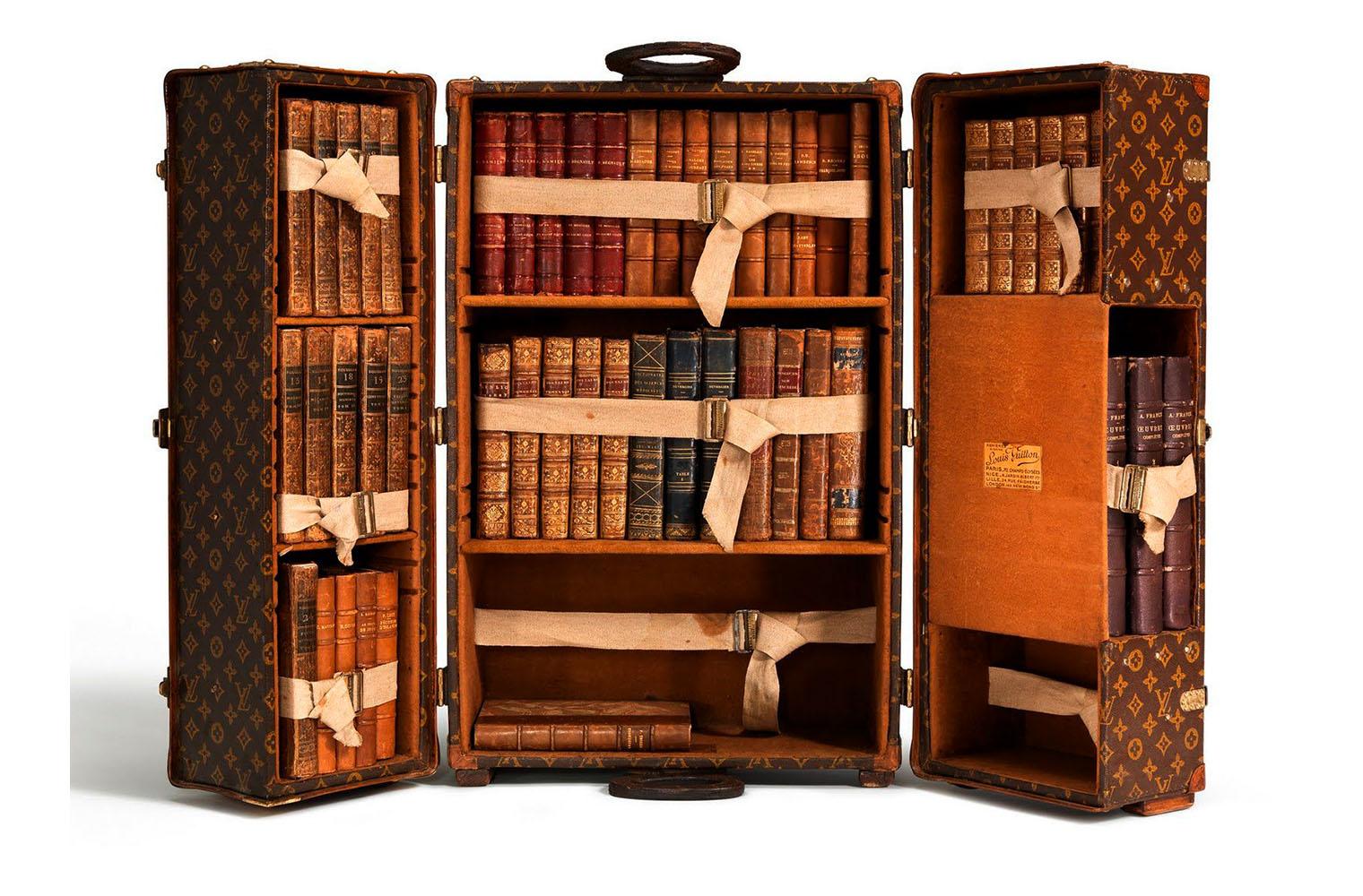 Чемодан-библиотека Louis Vuitton