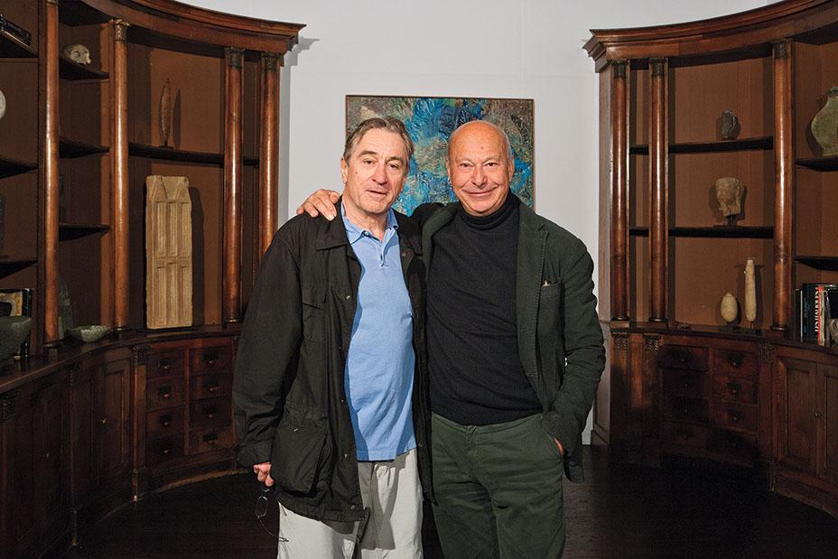 Де Ниро (слева, с Вервордтом в 2012 г.) о работе над отелем Greenwich Hotel: «Может быть, пентхаус и не располагает всеми удобствами, которые вы могли ожидать, но он является произведением искусства».