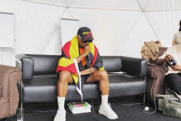 Канье Уэст построил в Уганде студию звукозаписи и вернулся в твиттер
