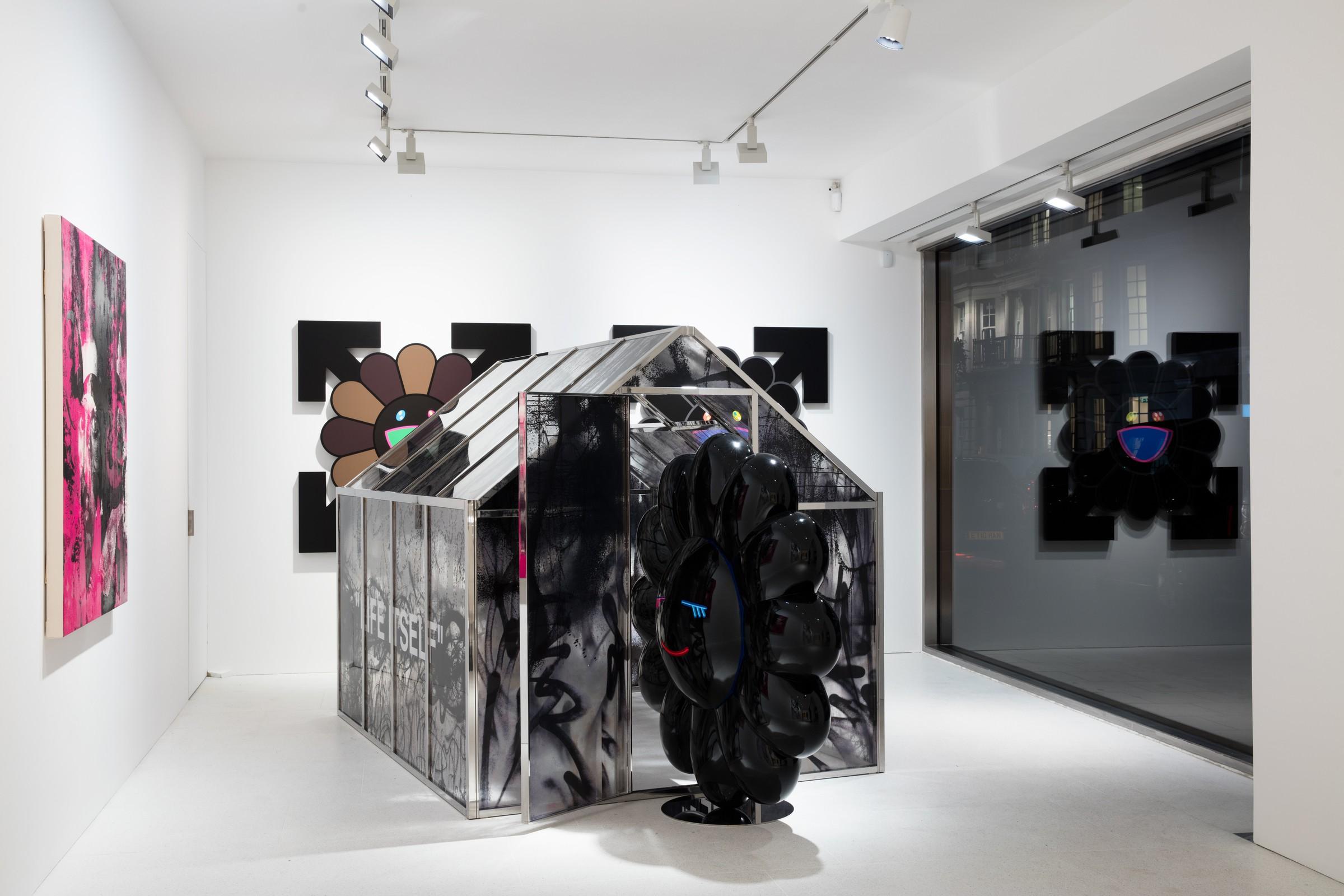 Вид на инсталляцию Мураками и Абло: «Future history», Галерея Гагосян