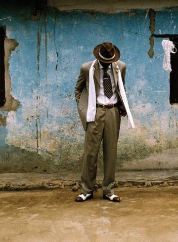 Блеск и нищета африканцев: денди из Конго