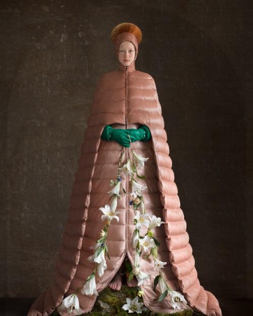 Работа Пьерпаоло Пиччоли для Moncler в исполнении художницы Сюзанны Йонгманс