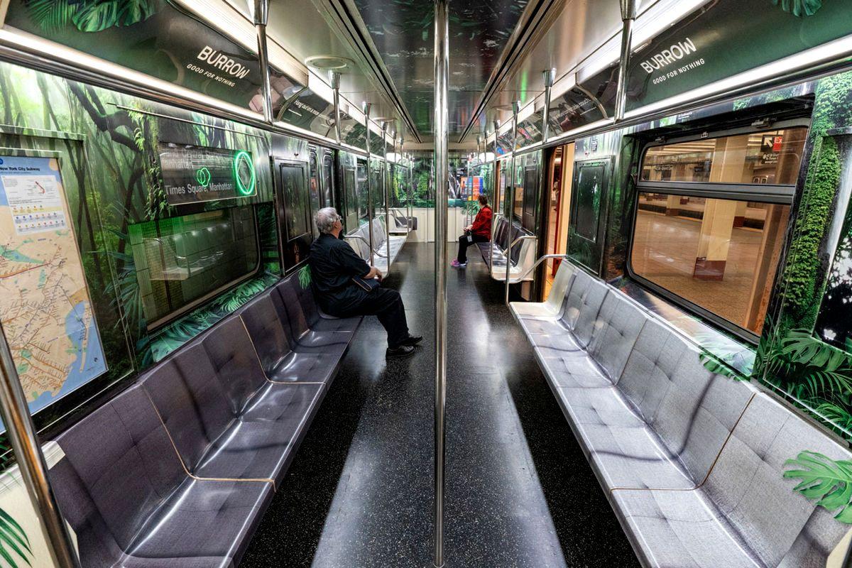 Брендинг Red Antler для Burrow в нью-йоркском метро.