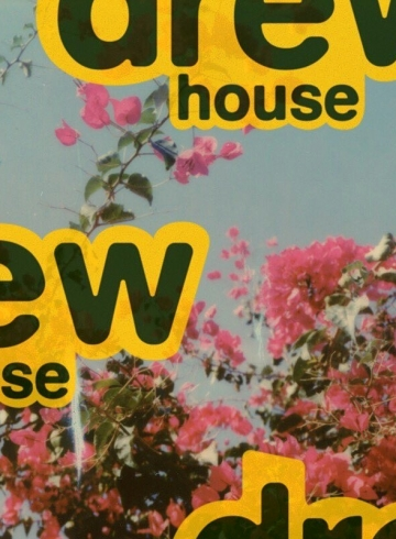 Джастин Бибер запустил свою линию одежды «Drew House»