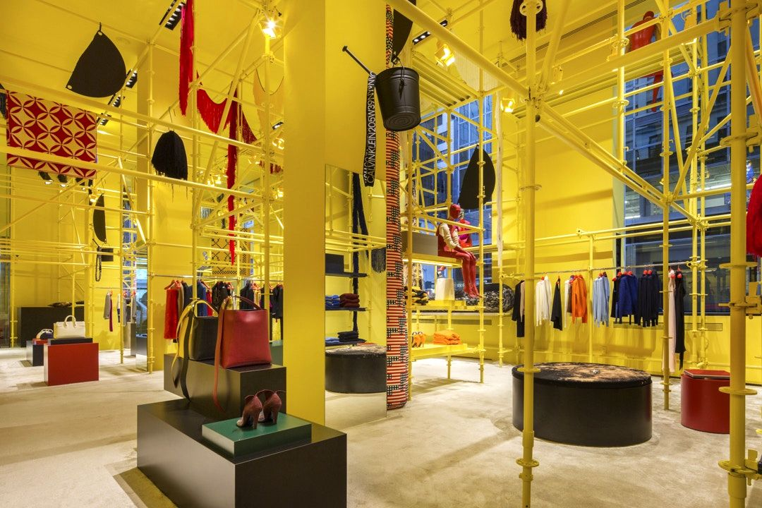 Флагманский магазин CALVIN KLEIN 205W39NYC на Мэдисон-Авеню