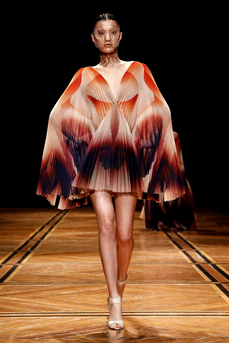 Iris van Herpen Spring/Summer 2019 Couture