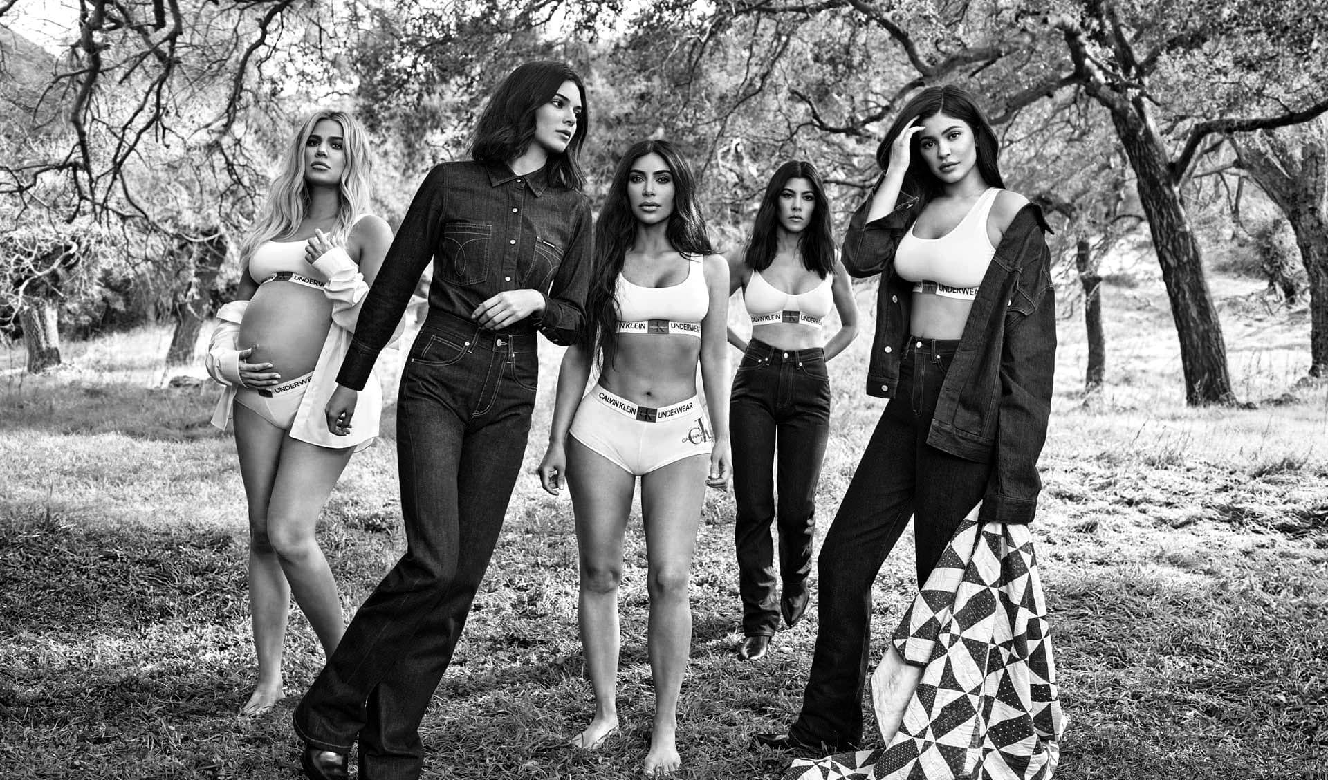 Рекламная кампания Calvin Klein #MYCALVINS 2018 с семейством Кардашьян-Дженнер