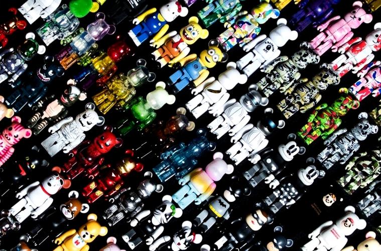 Кирпичик к кирпичику: краткая история игрушек MediCom Toy