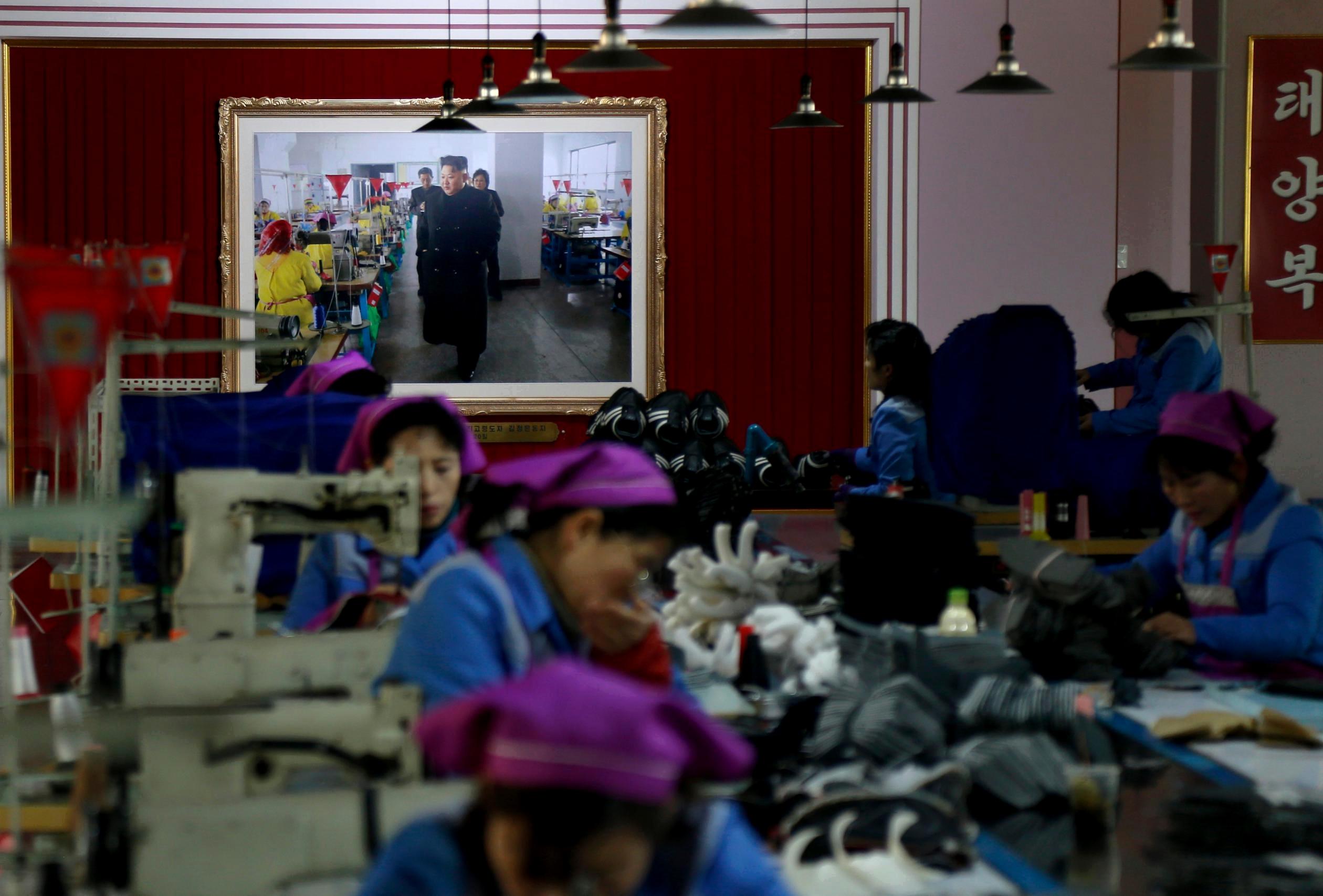 Северная Корея копирует кроссовки крупных спортивных брендов