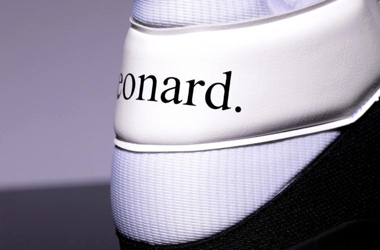 New Balance OMN1S - бренд представил кроссовки Кавая Леонарда