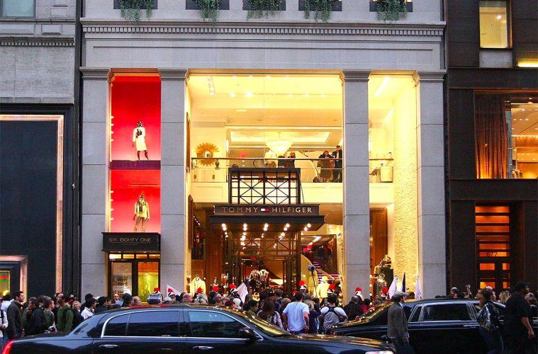 Tommy Hilfiger закрывает магазины на Манхэттене и в Майами