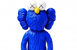 Новая коллекция KAWS x UNIQLO UT с культовыми персонажами