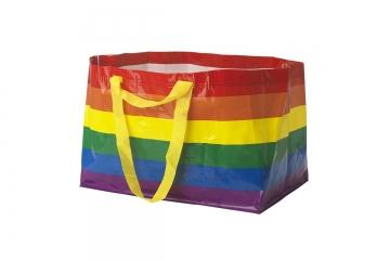 IKEA выпустит свою легендарную сумку в радужной расцветке