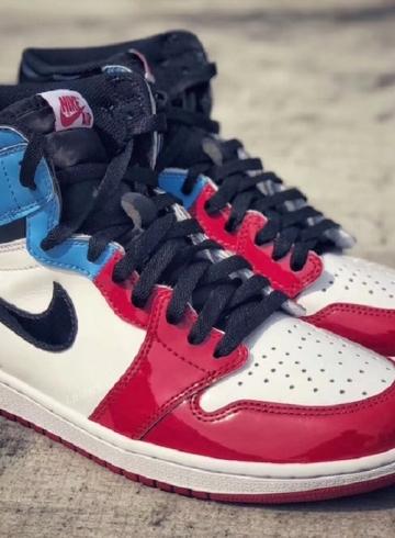 Air Jordan 1 High OG «Fearless» - новая расцветка культовых кроссовок