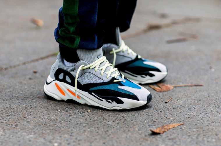 Очередной релиз adidas Yeezy Boost 700 «Wave Runner» не за горами