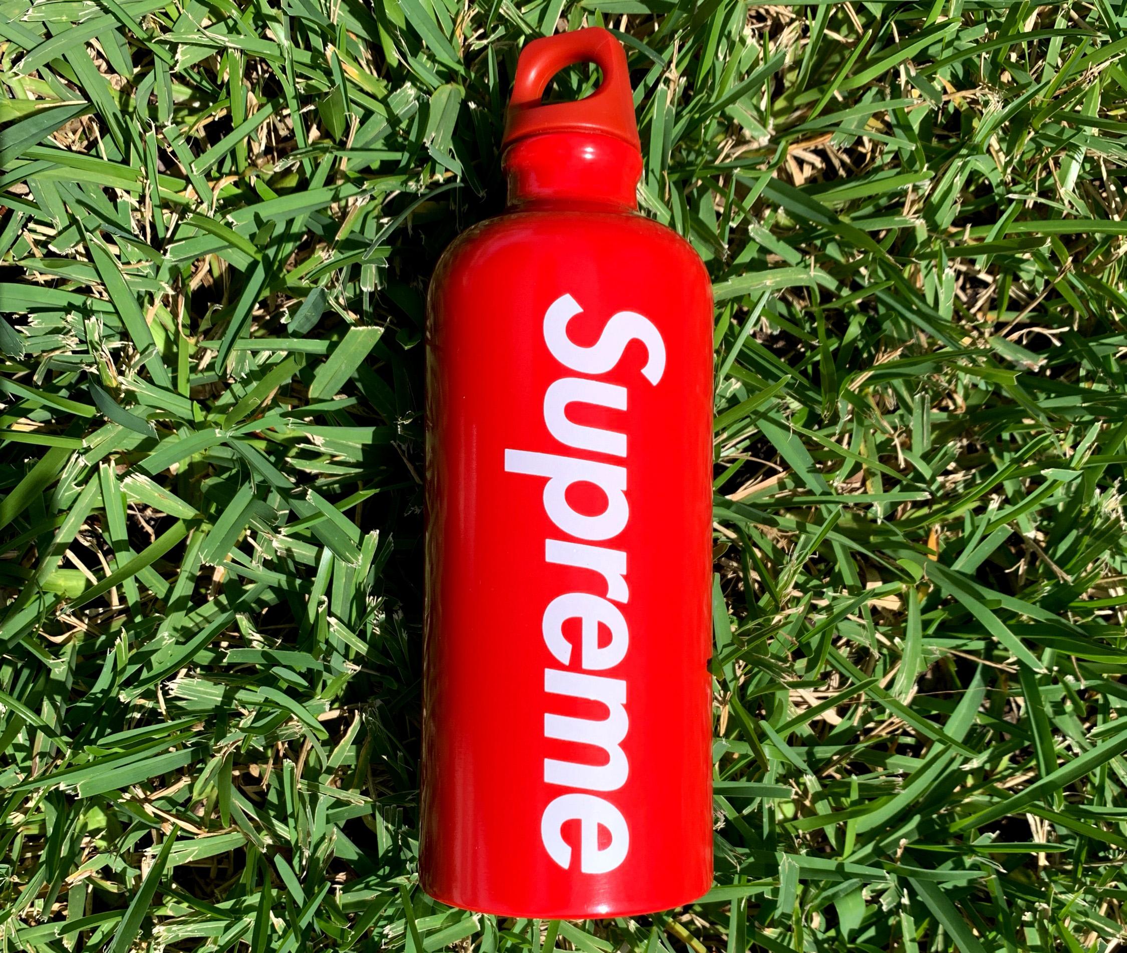 Многоразовая бутылка Supreme SS18