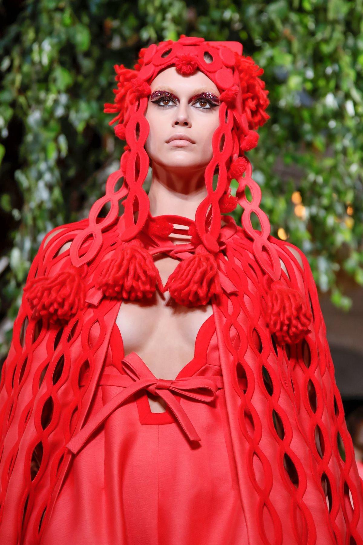 Valentino Fall/Winter 2019 Couture — обзор новой коллекции Пьерпаоло Пиччоли