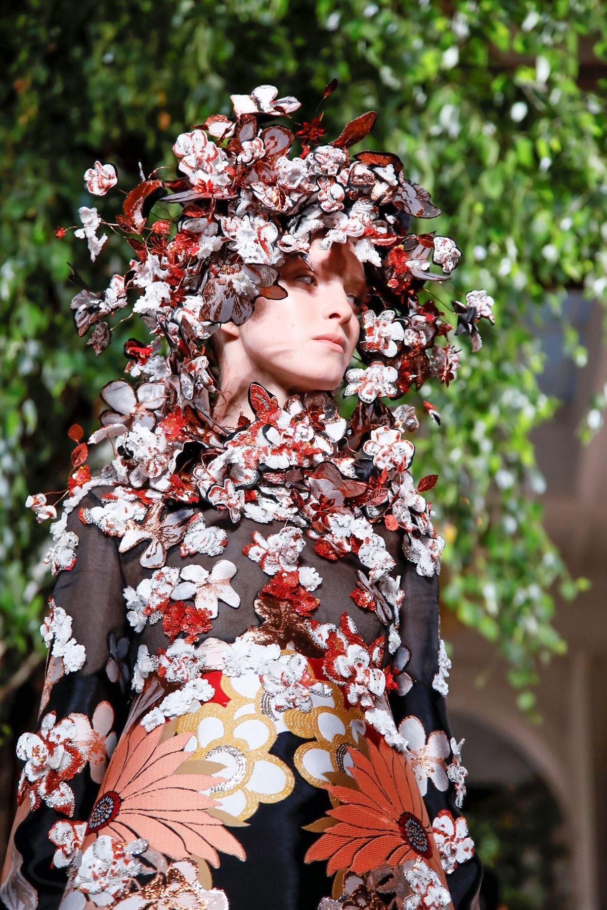 Valentino Fall/Winter 2019 Couture — детали