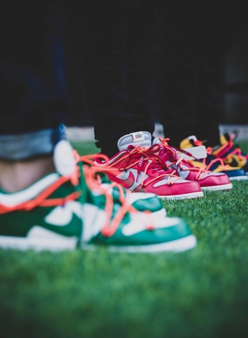 Off-White x Nike Dunk Low «Pine Green», «University Red» и «University Gold»