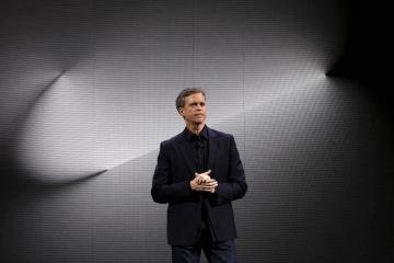 CEO Nike о скандале с Nike Air Max «Betsy Ross»