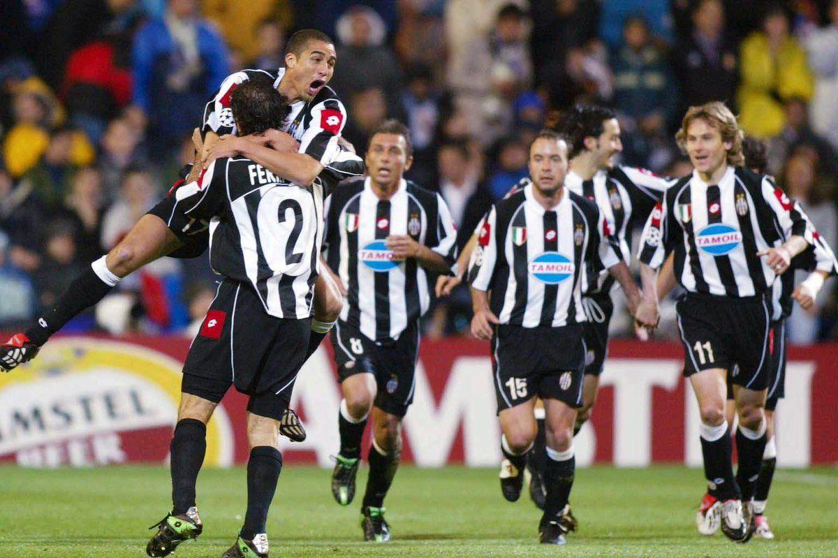 Игроки Juventus в форме Lotto