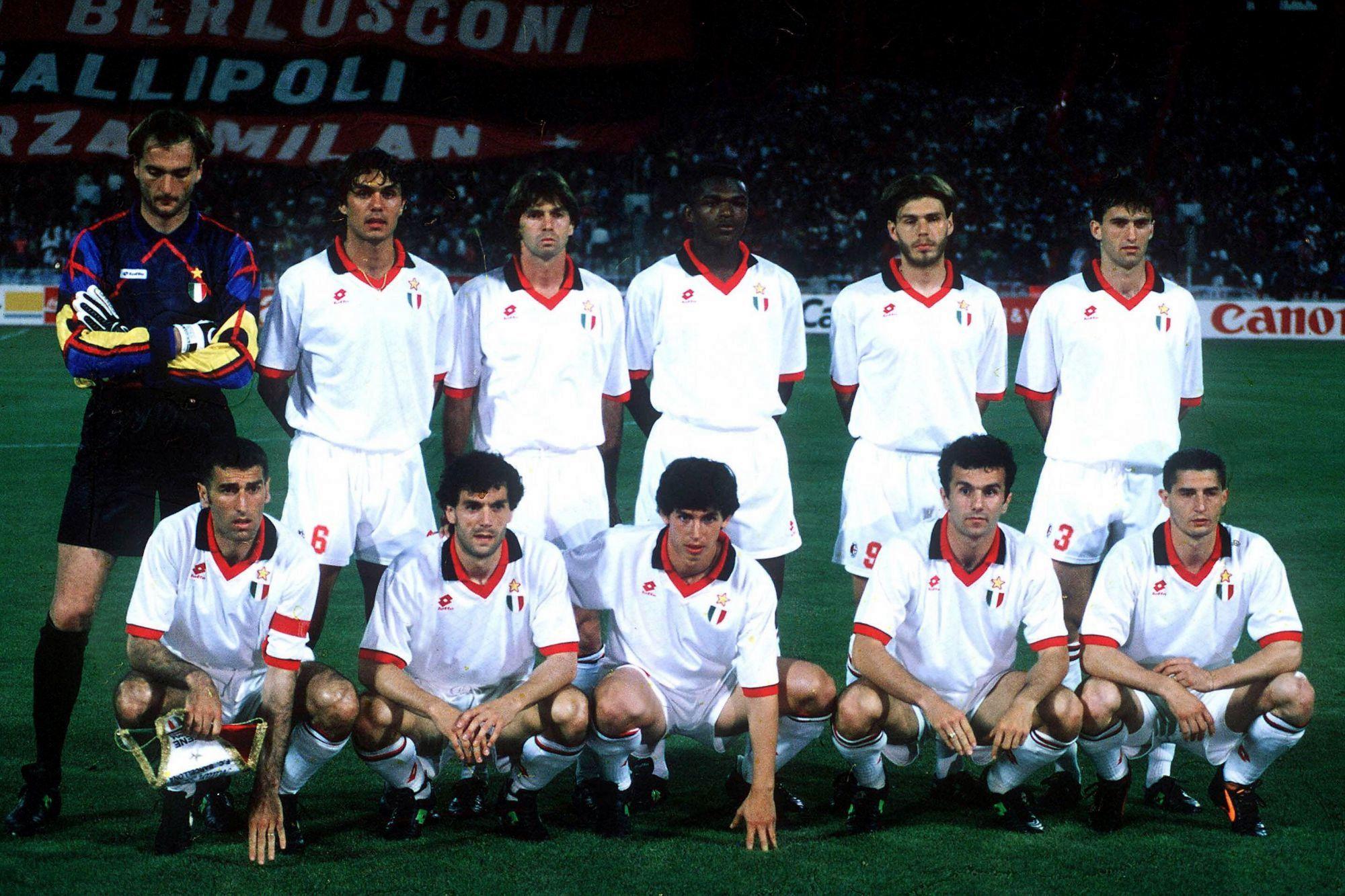 Игроки AC Milan в форме бренда Lotto на финале Лиги Чемпионов 1994 года