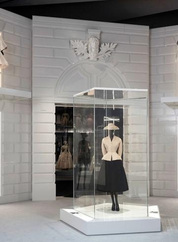 Выставка «Кристиан Диор: дизайнер мечты» стала самой посещаемой