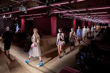 Показ Prada Resort 2021 пройдет в Японии
