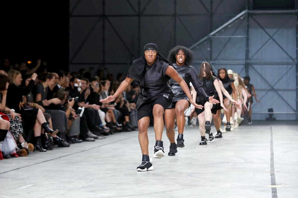 Скандальный показ Рика Оуэнса Rick Owens Spring/Summer 2014 Ready-to-Wear