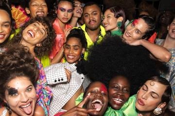 Christopher John Rogers - победитель CFDA Vogue Fashion Fund 2019
