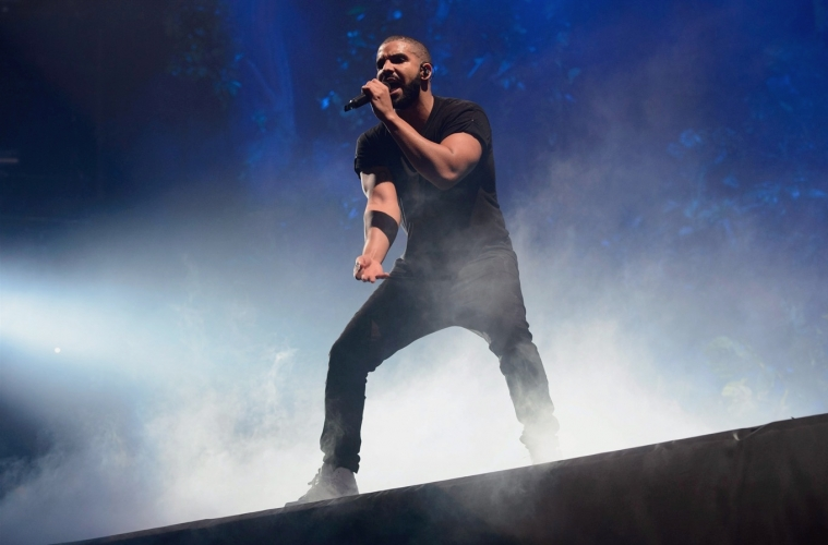 Drake прогнали со сцены фестиваля Camp Flog Gnaw
