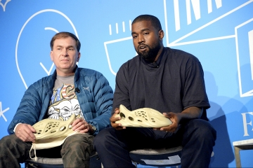 Канье Уэст показал adidas Yeezy «Clog»