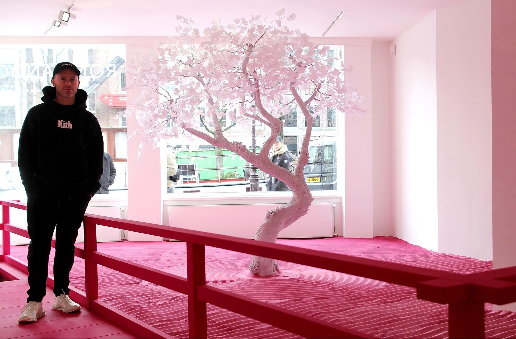 Дэниел Аршам и его инсталляция «Лунный сад»