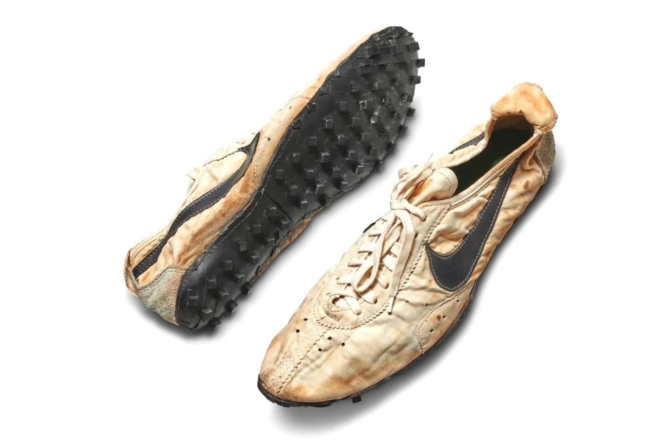 Nike Moon Shoe были проданы почти за полмиллиона долларов