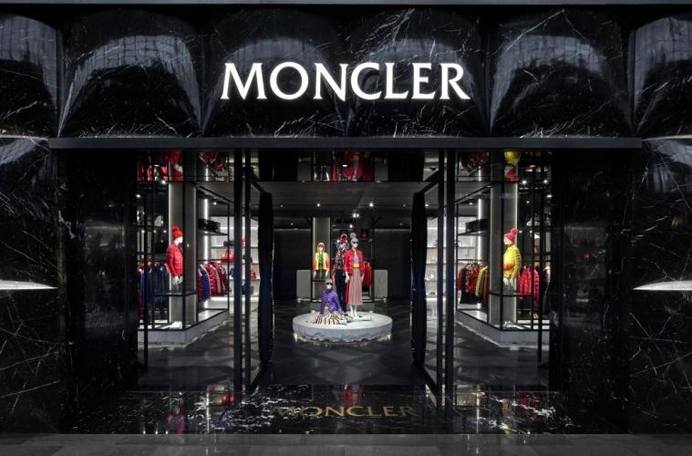 Moncler и Kering ведут переговоры о сделке