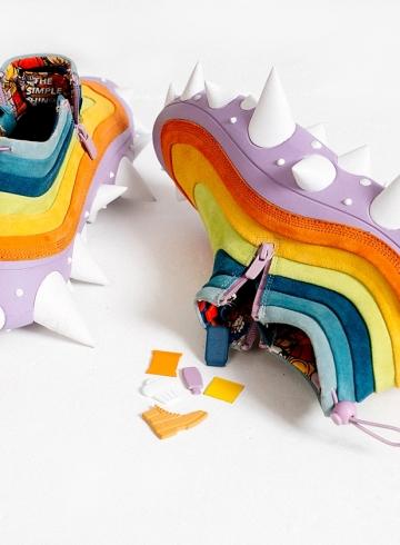 Дизайнер Mr. Bailey создал кроссовки в честь скульптуры Такаси Мураками «The Simple Things»