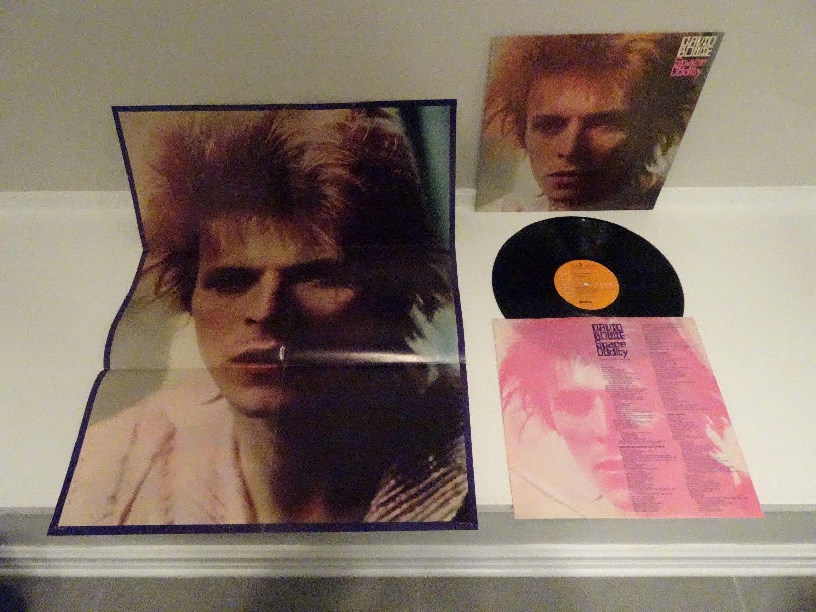 Виниловая пластинка и постер David Bowie «Space Oddity», 1972